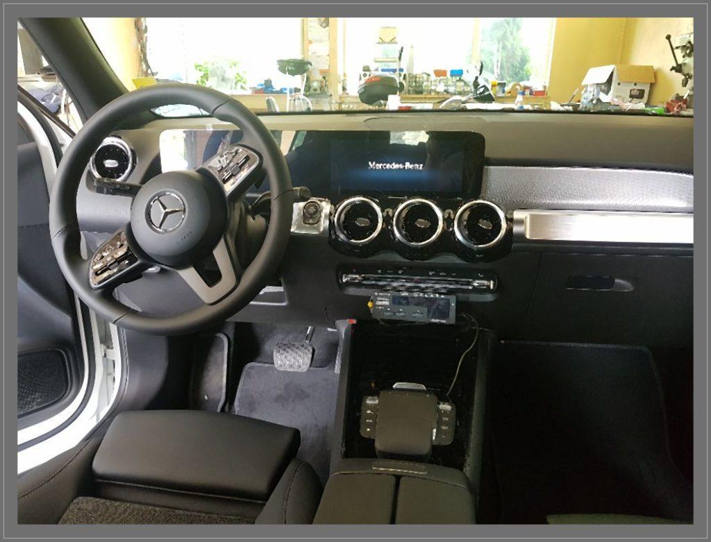 Na zdjęciu widać samochód Mercedes W213 w którym wykonujemy diagnostykę komputerową.